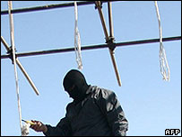 Iranian hangman cuts down executed man