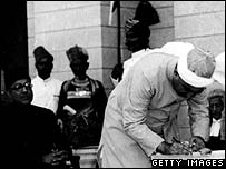 Sirdan Abdur Rab Nishter signs the document creating Pakistan, 18 August 1947