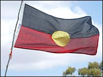 Bandera de los aborígenes australianos