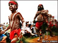 Aborígenes en celebración.