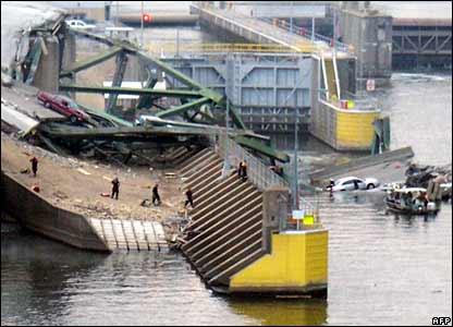Collapsed bridge and a lock on Mississippi river at Minneapolis