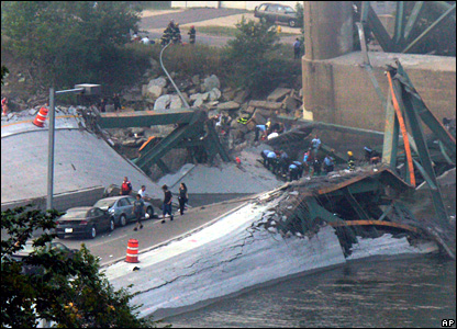 Collapsed bridge on Mississippi river at Minneapolis