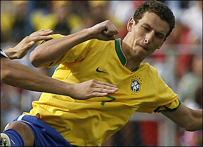 Elano played for Brazil in the Copa America final