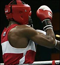 El boxeador cubano Emilio Correa, durante una pelea en los Juegos Panamericanos en Río de Janeiro