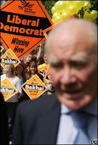 Sir Menzies Campbell and Lib Dem activists