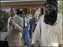 Mediators and rebel leaders arrive at talks on 5 August 2007