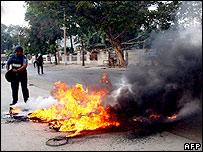 Cycle-van set alight after announcement of new prime minister in East Timor - 06/08/07
