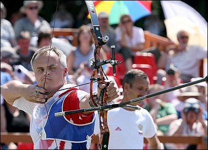 GB archer Simon Terry