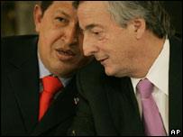 El presidente de Venezuela, Hugo Chávez y el de Argentina, Néstor Kirchner