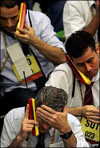 Corredores de bolsa en la Bolsa de San Pablo