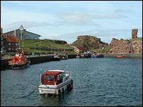 Dunbar harbour. Pic courtesy of Undiscovered Scotland