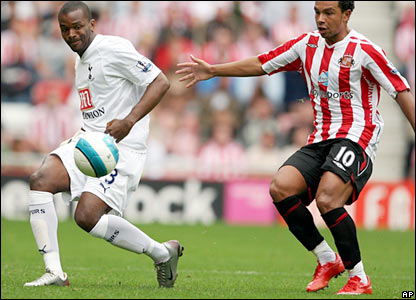 Darren Bent in action