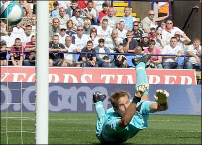 Jussi Jaaskelainen is beaten