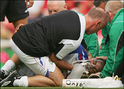 Benni McCarthy receives treatment