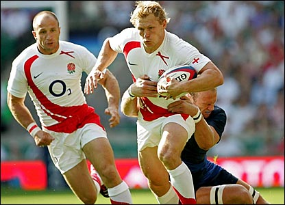 England's Josh Lewsey breaks through the France defence