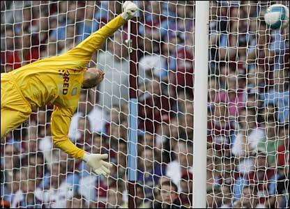 Stuart Taylor is beaten by Steven Gerrard's free-kick
