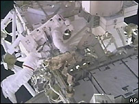 Astronaut Rick Mastracchio on a spacewalk - 11/08/2007