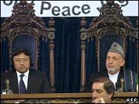 Pakistan President Pervez Musharraf and Afghan President Hamid Karzai at the Afghan peace jirga