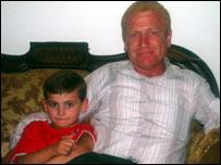 Осман Швейки из Шуафата с сыном Маруаном