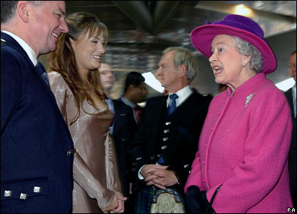 L to R: Jack McConnell, Nicola Benedetti, George Reid and the Queen