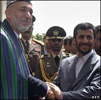 Hamid Karzai (L) and Mahmoud Ahmadinejad in Kabul