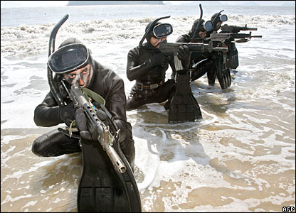 South Korean special warfare commandos stage a drill on the coast of Haenam, south of Seoul, before an inter-Korean summit this month