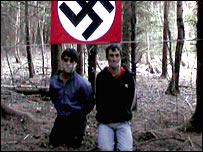 _44057904_racist1_203.jpg