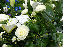 Barbara Windsor's floral tribute