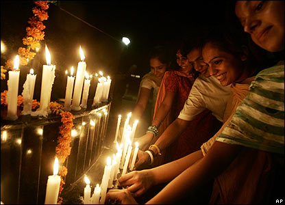 Candle lighting on the Indian border