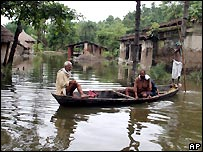 Flooded village in India's Bihar state - 15/08/2007