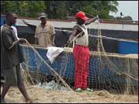Ugandan fishermen on Lake Albert (Photo by BBC's Sarah Grainger)