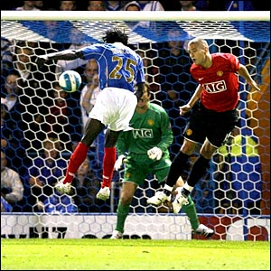 Benjani Mwaruwari equalises for Portsmouth