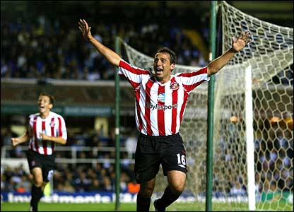 Michael Chopra scores the equaliser for Sunderland
