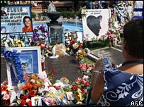 Elvis Presley's grave