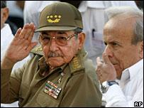 Raul Castro (left) and Ricardo Alarcon, March 2007