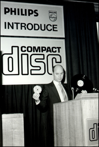 First worldwide presentation of the Philips CD Audio made by Joop Sinjou, Head of Philips CD-Lab (founded 1978) on March 9th, 1979 (� Joop Sinjou)