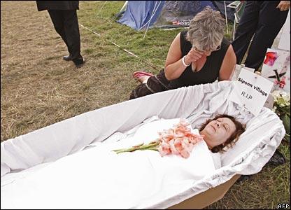 Беременные на похоронах примета 19