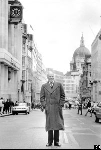 Lord Deedes in Fleet Street in 1988