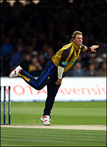 Shane Warne in action for Hampshire