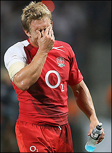 Wilkinson shows his disappointment as England lose again