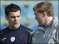 Darron Gibson and Republic of Ireland manager Steve Staunton