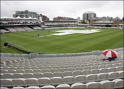Few spectators make the trip to Lord's