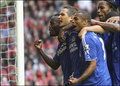 Chelsea celebrate Frank Lampard's goal