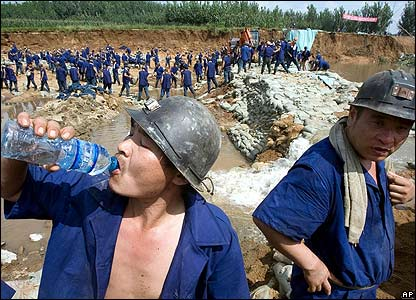 Chinese rescue workers in Xintai, eastern Shandong province