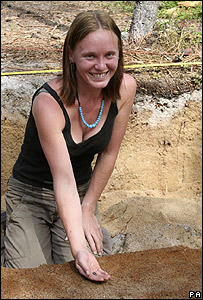 Sarah Pickin, de 23 años, con su hallazgo