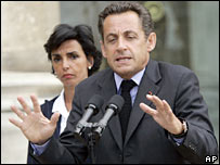 French President Nicolas Sarkozy (right) flanked by Justice Minister Rachida Dati announces anti-paedophile measures on 20 August 2007