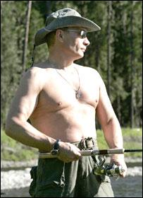 Владимир Путин на Енисее (фото с сайта www.kremlin.ru)