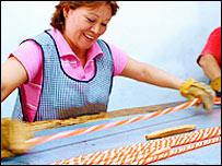 María Bautista en su taller de México.