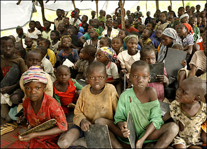 Displaced children in northern CAR at a bush school (August 2007)