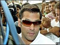 Salman Khan leaves Mumbai on 25 August